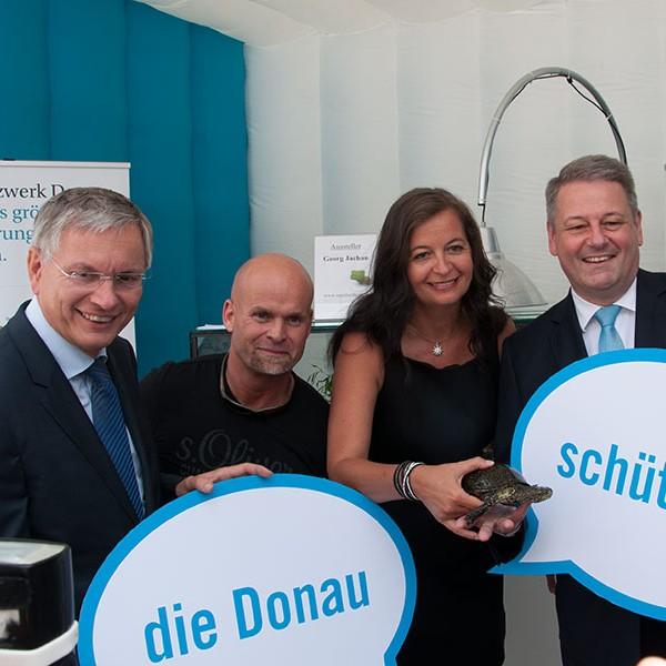 Staunen mit der Sumpfschildkröte: Alois Stöger, Georg Jachan, Ulli Sima, Andrä Rupprechter am Danubeday